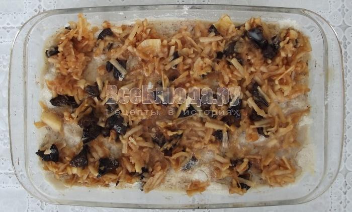 Пирог с манкой и яблоками без яиц (пересыпка сухой смесью)
