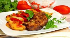 Рецепт свиных ребрышек в духовке с овощами