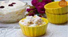 Рецепт фруктового салата со взбитыми сливками
