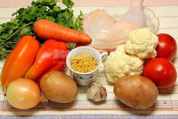 Ингредиенты для приготовления овощного супа на курином бульоне: