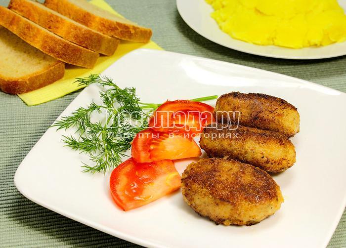 Мясные котлеты с грибами и сыром