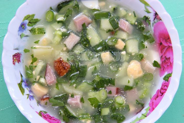 Рецепт окрошки с копченой свининой на сыворотке