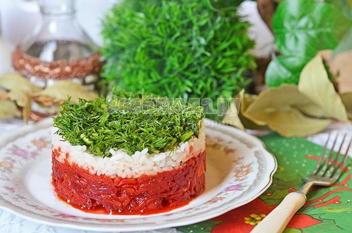 украсьте горячий рисовый салат