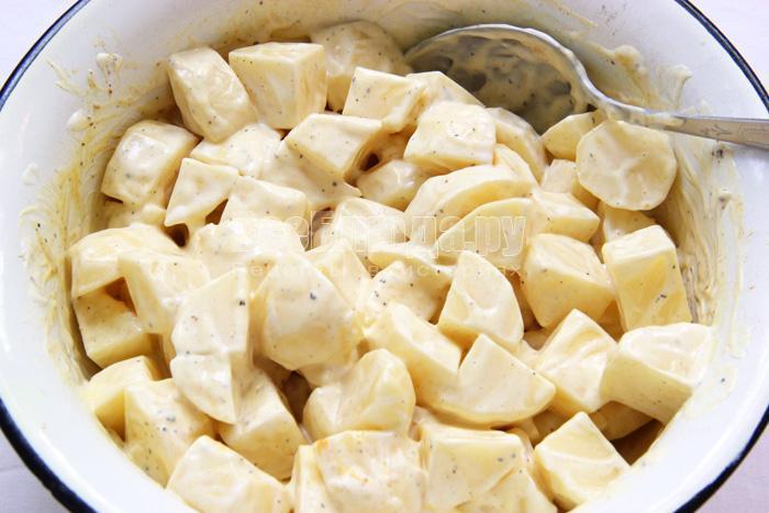 картошечка в духовке в рукаве рецепт с фото