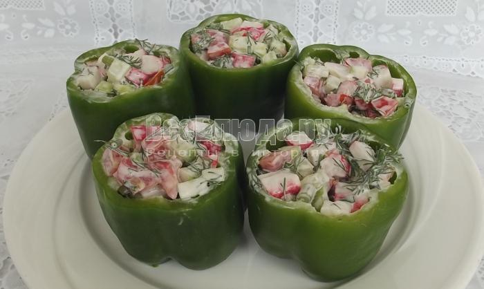 заполнить перцы салатом