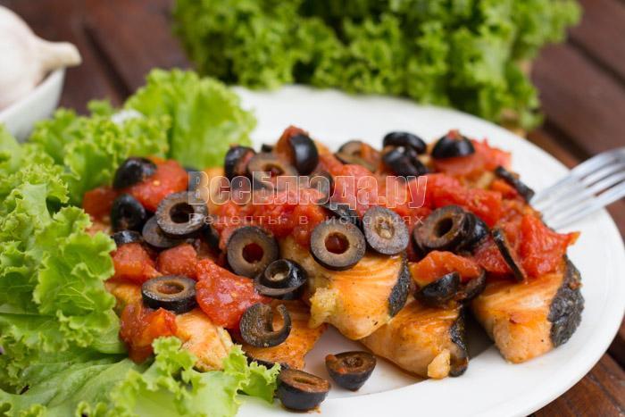 рецепт жареной семги с маслинами