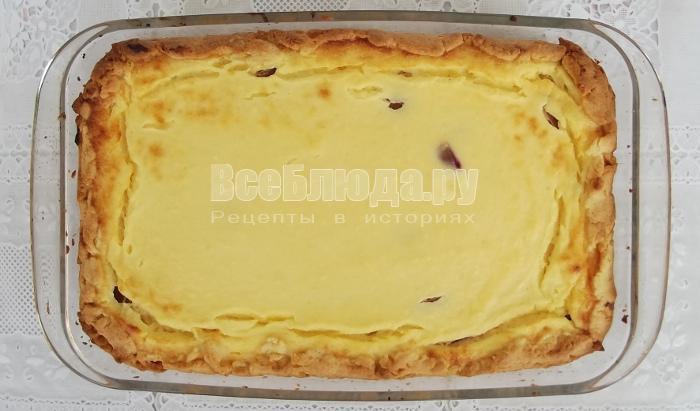 выпекать пирог с творогом в духовке