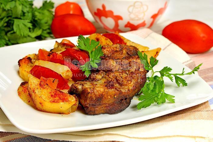 вкусные свиные ребрышки в духовке с картошкой
