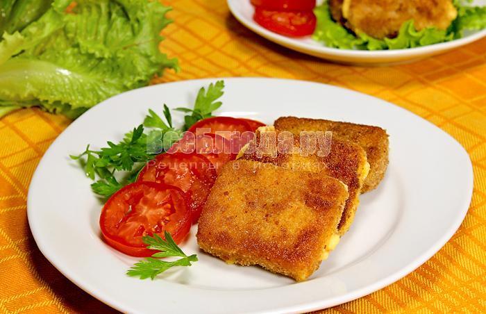 жареный сыр в сухарях