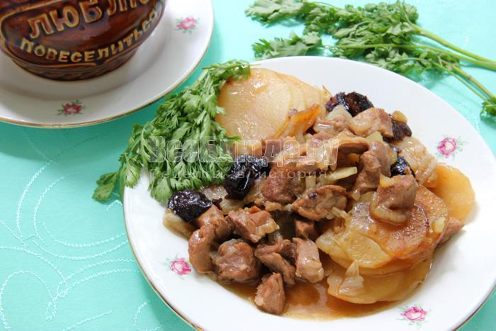 вкусная баранина в горшочках с картошкой