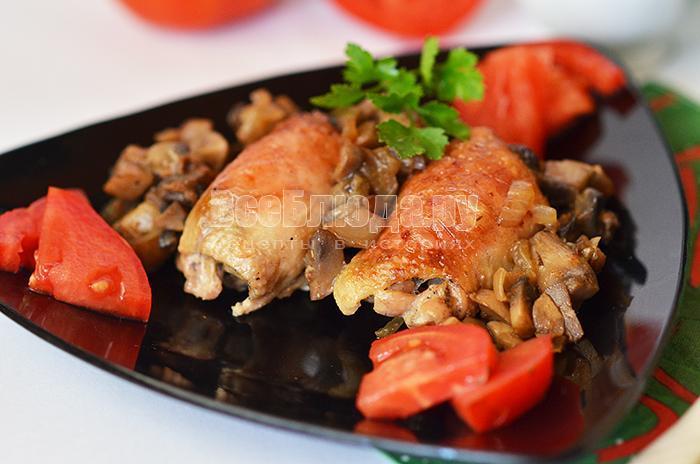 куриные рулетики с грибами под сырным соусом с Виолой