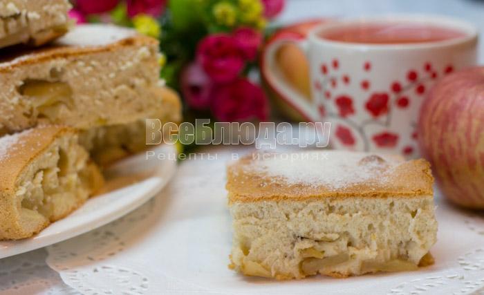 простой рецепт бисквитного пирога с яблоками