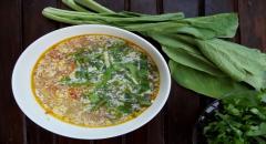 Суп из обрезков семги (брюшки, плавнички) со сметаной и зеленью