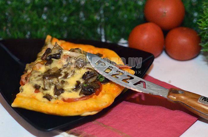рецепт пиццы с опятами и колбасой