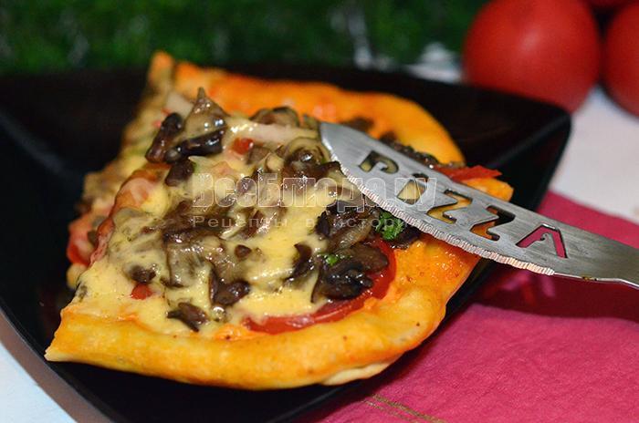 как приготовить вкусную пиццу с опятами, сыром, помидорами