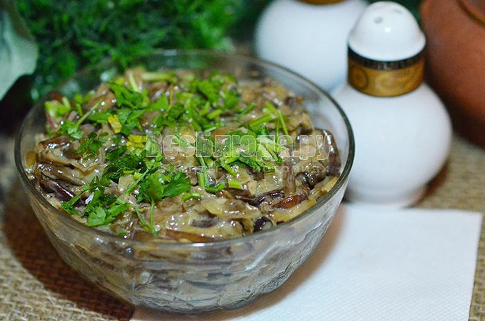 опята со сметаной и луком рецепт с фото