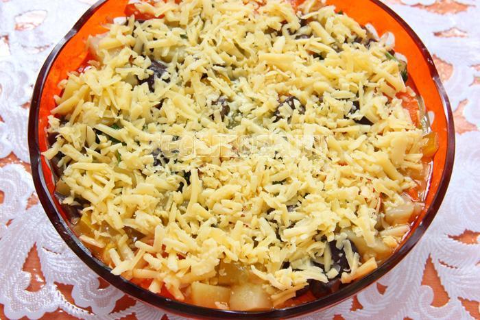 рагу с овощами, грибами, кабачками и картошкой