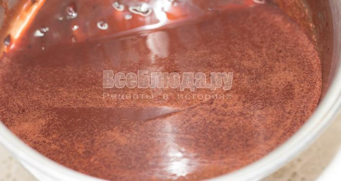 Шоколадный десерт с клубникой и сливками - рецепт спасения брака