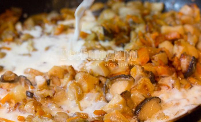 Тефтели в сливочном соусе с грибами в духовке (блюдо для встречи тестя)