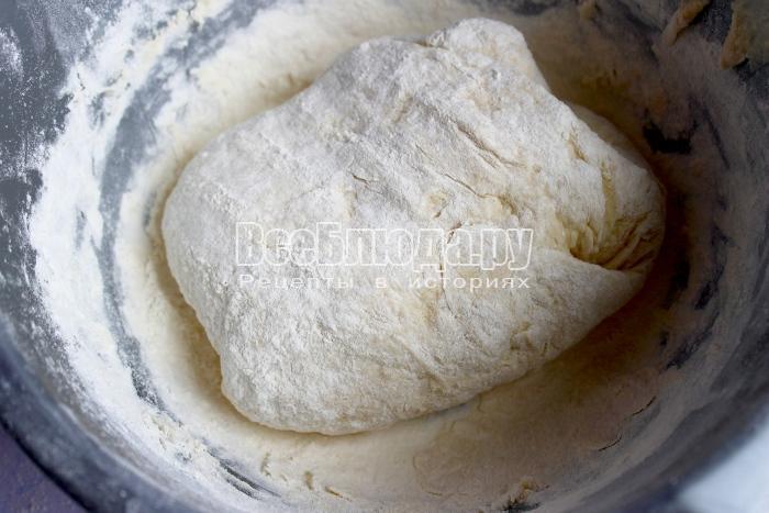 оставить тесто в теплое место