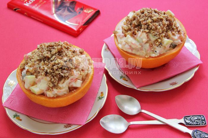 вкусный десерт из фруктов со взбитыми сливками