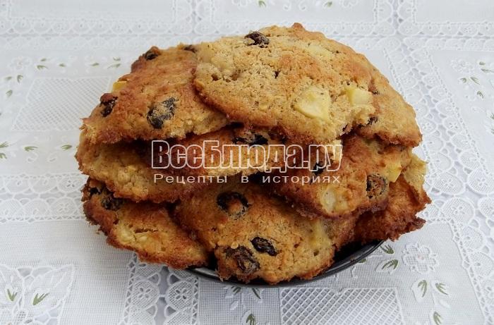 готовое печенье из овсянки и яблок готово