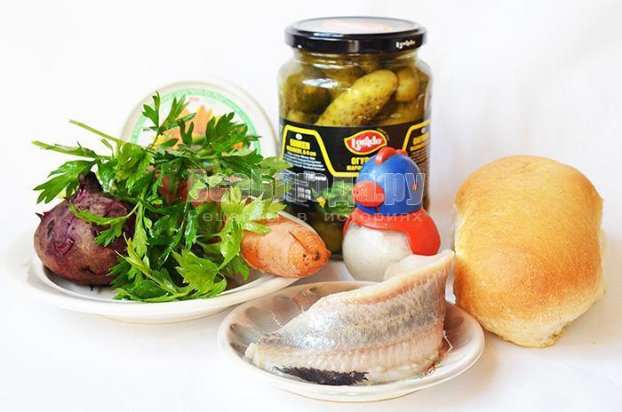 необходимые ингредиенты для селедки под шубой в батоне: