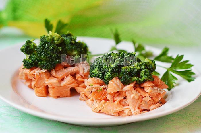 рецепт салата с форелью и брокколи