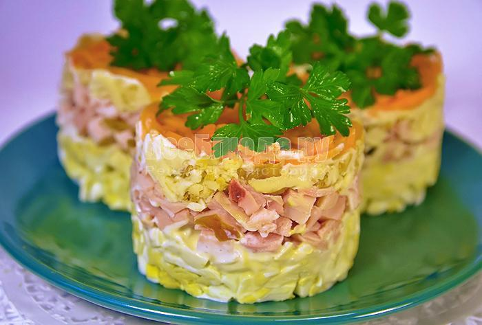 рецепт вкусного салата с копченым сыром