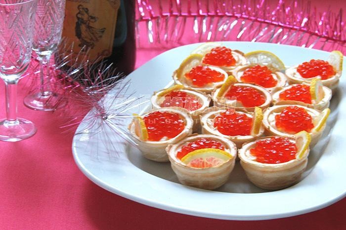 рецепт новогодней закуски с красной икрой и сыром