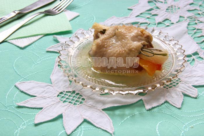 Овощи, тушеные в куриных шкурках
