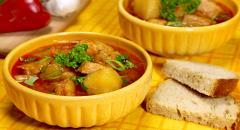 Венгерский суп-гуляш со свининой
