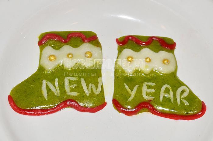 новогодние сапожки из мастики