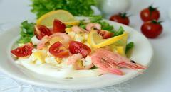 Салат с креветками и сыром Сиртаки