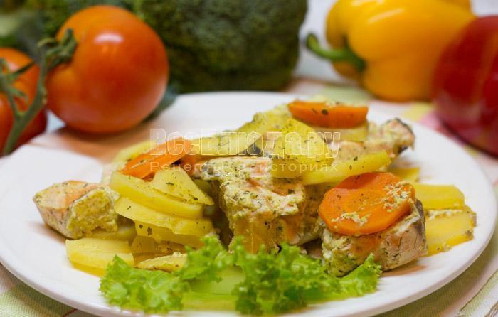 семга в сметане с картошкой, рецепт с пошаговыми фото