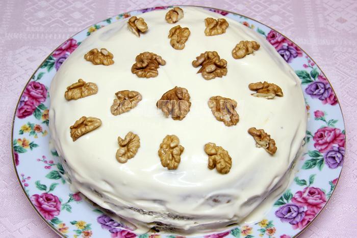 украсить торт орехами